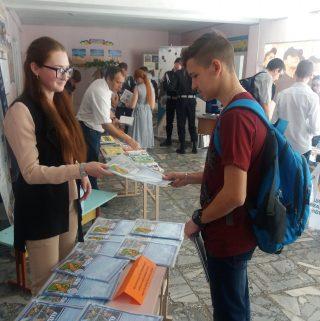 Представники МДПУ зустрілися з випускниками навчальних закладів м. Покров та м. Нікополь