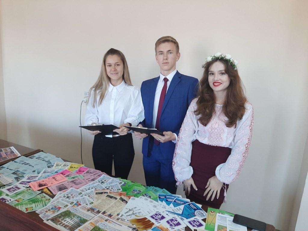 Профорієнтаційна робота у смт. Кирилівка під час акції «Абітурієнт - 2020»